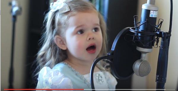 3歳の女の子が歌うディズニー映画『リトル・マーメイド』がスゴすぎると世界中で話題に