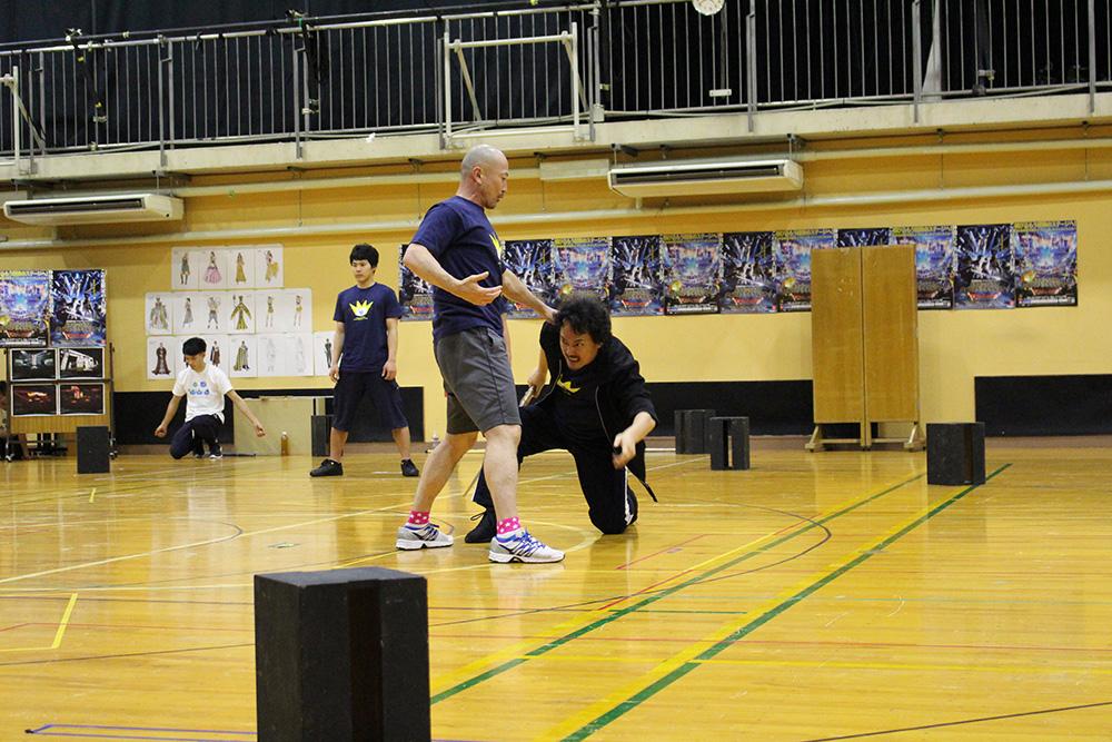 本番さながらの公開練習は中々の迫力。随所にアクロバティックなアクションも盛り込まれていた。
