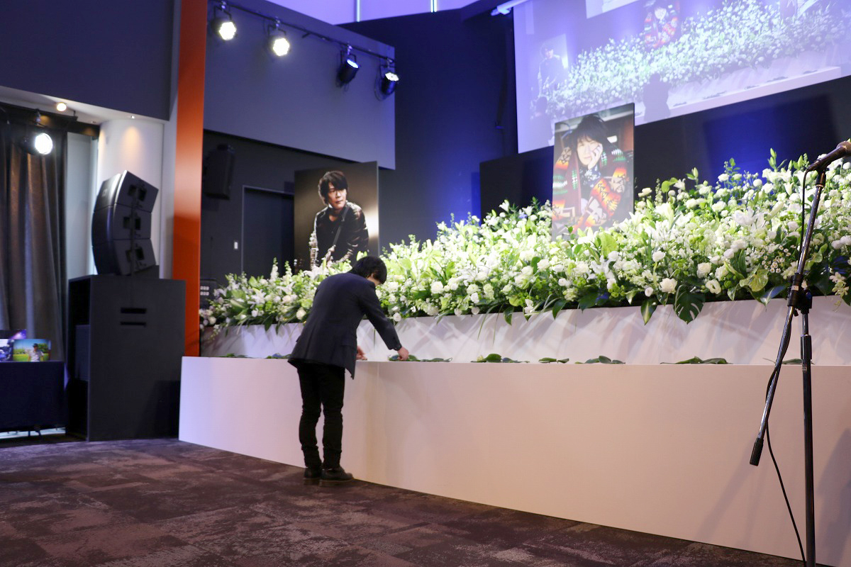 黒沢健一 献花の会