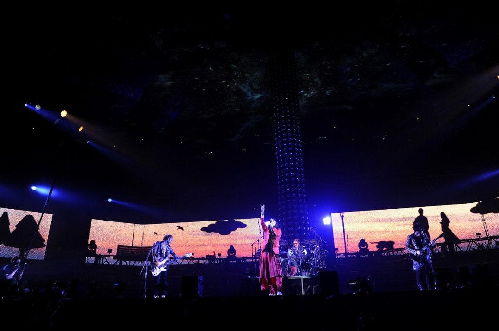 """2011年5月21日『TOUR""""Chemical Parade""""FINAL』日本武道館公演より"""